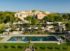 Mit dem Ferien Angebot bei Eboutic verbringt ihr zu zweit 2 Nächte im 5-Sterne Hotel La Coquillade Village en Provence in Gargas. Im Preis ab 465.- sind das Frühstück und der freie Wellnesszutritt dabei.  Buche hier deine Ferien: https://www.ich-brauche-ferien.ch/ferien-der-provence-fuer-2-fuer-nur-465/