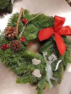 Christmas Wreath 😍 Christmas Wreaths, Holiday Decor, Home Decor, Decoration Home, Room Decor, Advent Wreaths, Interior Decorating