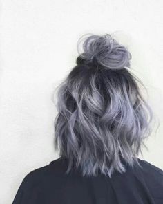 35 Short Ombre Hair Color Ideas for Brunettes That Are Trending for Short Ombre Hair Are you looking for short hair ombre? Then these 35 short ombre hair color ideas for brunettes that are trending for 2019 will be yo. Short Hair Updo, Short Dyed Hair, Wavy Updo, Short Hair Top Knot, Messy Bun For Short Hair, Fancy Ponytail, Loose Ponytail, Tousled Hair, Coloured Hair