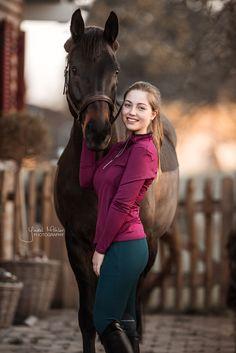 Equestrian Chic, Equestrian Girls, Beautiful Girl Indian, Beautiful Women, Riding Pants, Horse Girl, Leather Shorts, Horseback Riding, Beautiful Horses