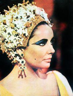 Elizabeth Taylor as Cleopatra, 1962.