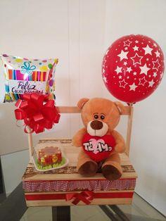 Desayunos sorpresa en Cali - Regalos, Flores y Detalles a domicilio Diy Birthday Box, Party Centerpieces, Feel Good, Teddy Bear, Packaging, Country, Toys, Floral, Gifts