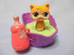 Littlest Pet Shop Magic Motion Magnetic Cat/Kitty Bottle Purple Bed LPS