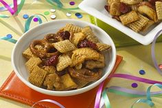 Trail Mix A DaVita dietitian shares a kidney-friendly snack that is both nutritious and delicious: Honey-Maple Snack Mix.A DaVita dietitian shares a kidney-friendly snack that is both nutritious and delicious: Honey-Maple Snack Mix. Davita Recipes, Kidney Recipes, Diet Recipes, Healthy Recipes, Kidney Foods, Snack Recipes, Kidney Friendly Diet, Soup With Ground Beef, Low Sodium Recipes