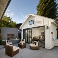 Small Pool Houses, Backyard Guest Houses, Garage Guest House, Backyard Cottage, Backyard Studio, Guest House Plans, Backyard Office, Backyard House, Small Pools