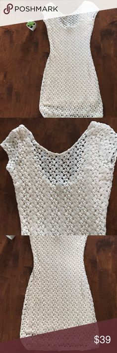 """Free People crocheted lace cream dress in XS. Beautiful Free People crocheted lace dress In cream great dress 👗 for showers, rehearsal dinners and weddings. XS 15"""" pit to pit, 30"""" top to bottom. Free People Dresses Mini"""