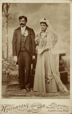 handsome groom and his pretty pensive bride. The bride and groom are bedecked with flowers and are wearing white gloves and serious expressions Minnesota between 1886 . Funny Wedding Photos, Vintage Wedding Photos, Vintage Bridal, Vintage Photos, Vintage Weddings, Vintage Photographs, Chic Vintage Brides, Vintage Gowns, Wedding Dj