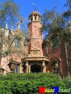 Magic Kingdom's Haunted Mansion (Eyes on Orlando) by Brian Bennett