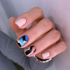 Glamorous Nail Art Designs 2019 For Girls Round nails art is so nice! That's why we found the best nails to motivate you and take you to the l Nail Design Stiletto, Nail Design Glitter, Nude Nails, Manicure And Pedicure, Gel Nails, Coffin Nails, Gradient Nails, Holographic Nails, Matte Nails