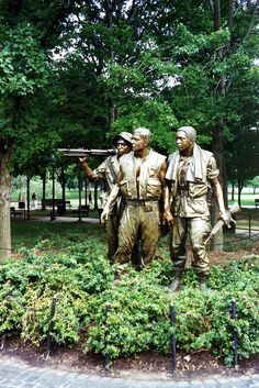 Washington DC: Vietnam Veteran's Memorial - The Three Soldiers #travel #travelinspiration #travelphotography #WashingtonDC #YLP100BestOf #wanderlust
