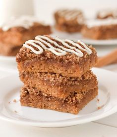 Oat almond & coconut flours = almost perfectly textured coffee cake.  #lowcarb #glutenfree