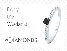 Buona giornata e buon inizio di weekend a tutti!  Scopri questo anello con diamanti e diamante nero centrale!