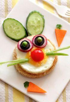Zelenina, ktorá môže byť zábavná ale hlavne zdravá. | Zábavné jedlo pre deti Food Art For Kids, Cooking With Kids, Food Kids, Easter Recipes, Baby Food Recipes, Rabbit Recipes, Bread Recipes, Toddler Meals, Kids Meals