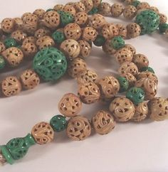 Vintage Chinese Export Carved Bead Necklace 35 inch Drop Jade Green Off White Feng Shui Jewellery, Chinese Antiques, Jade Green, Chinoiserie, Jewelry Crafts, Off White, Jewelery, Oriental, Vintage Jewelry