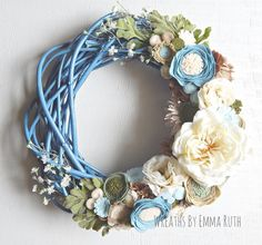 This is my new favorite color combo, so soft! This one matches my farmhouse decor feel. Felt Wreath, Fabric Wreath, Wreath Crafts, Grapevine Wreath, Felt Flowers, Fabric Flowers, Paper Flowers, Easter Wreaths, Holiday Wreaths