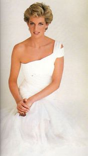 Diana...You wore the one shoulder look first before anyone...gorgeous!!