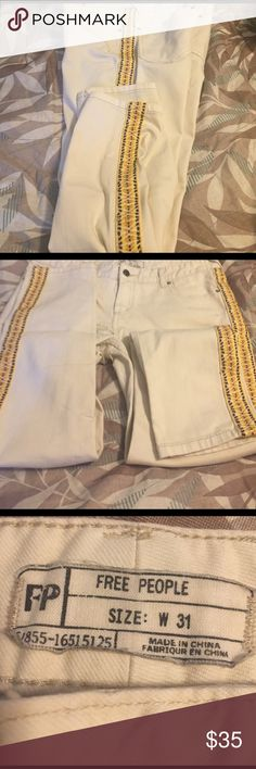 ❤️ White embellish jeans😘 Off-white straight leg embellish free people 👖 Jeans!!in good shape!!  In seem is 26 inch w is 31 fun fun Free People Jeans Straight Leg
