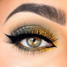 Black and gold smoky eye