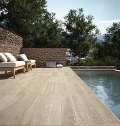 3 favorable types of terrace floor and 20 creative examples - New Decoration ideas Patio Tiles, Outdoor Tiles, Outdoor Flooring, Outdoor Decor, Wood Effect Floor Tiles, Wood Tile Floors, Wood Planks, Garden Deco, Garden Pool