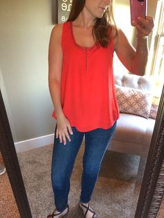 May Stitch Fix Review 2015.  WOAH.... I can't BELIEVE what Stitch Fix did for her when she was disappointed with her last fix!  http://fantabulosity.com