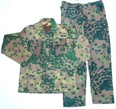 Egyptian Reversible Camo Uniform Type 3 Camo Gear, Camouflage Patterns, German Uniforms, Camo Outfits, Camo Baby Stuff, Tactical Gear, Print Patterns, Men Casual, Military