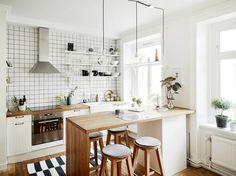 Compact wonen op 47m2 is creative inspiration for us. Get more photo about home decor related with by looking at photos gallery at the bottom of this page. We are want to say thanks if you like to share this post to another people via your facebook, pinterest, google plus …