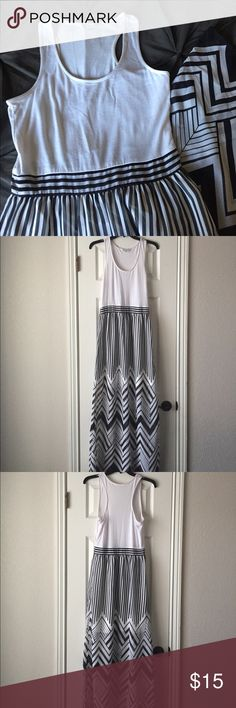 Charming Charlie Racerback Maxi Dress Stunning Maxi Dress from Charming Charlie. Soft Cotton top with sheer flowy skirt (lined mini). Side zipper for perfect fit. Reposhing- so bummed it was too small! Charming Charlie Dresses Maxi