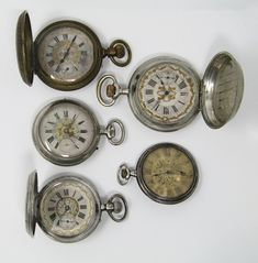 Lot of five pocket watches, late Century Movement: Manual winding 3 of them in silver and 2 in meta Catalan faces 2 of them with 2 covers. The rest, 3 covers In running order. Pocket Watches, 19th Century, Manual, Rest, Faces, Running, Silver, Accessories, Pockets