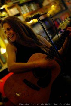 FeelA RockA - Rock Webzine : INTRODUCE YOUR BAND: Thomais De Fois