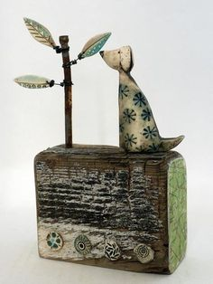 Shirley Vauvelle is an artist, painter, sculptor and ceramicist. View their art website showing sculptures, paintings, ceramics and textiles. Clay Projects, Clay Crafts, Wood Crafts, Ceramic Animals, Clay Animals, Ceramic Clay, Ceramic Pottery, Ceramic Figures, Paperclay
