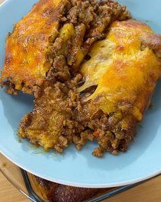 Chuleta Frita (Fried Pork Chops) | Pork Chop Recipes, Quick Recipes, My Recipes, Beef Empanadas, Empanadas Recipe, Fritas Recipe, Fried Pork Chops, Quick Appetizers