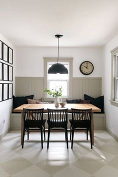 Banquette Seating In Kitchen, Dining Nook, Dining Room Walls, Dining Room Design, Dining Room In Kitchen, Built In Dining Room Seating, Dining Room Paneling, Kitchen Nook Bench, Black Dining Chairs