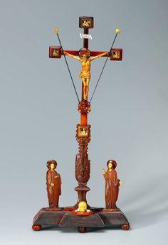 Amber Crucifix of John II Casimir Vasa from Gdańsk or Konigsberg 1650s, Kremlin Museum