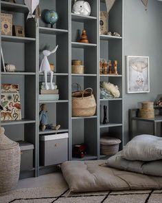 Billy Hack, Billy Ikea, Ikea Billy Bookcase Hack, Bookshelves Built In, Childrens Room Decor, Baby Room Decor, Rooms To Go Kids, Ikea Kids Room, Baby Room Design