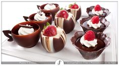 Image from http://www.soophotography.com/slideshows/capturethelook/food/food-252-dessert.jpg.