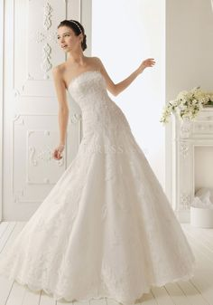Elegant Floor Length Fit N Flare Detachable Straps Lace Wedding Gowns With Appliques