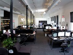 nice cubicle farm...every business should take note...Squarespace's NYC Offices
