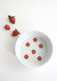 Vintage Strawberry Trellis Soufflé Dish from Japan