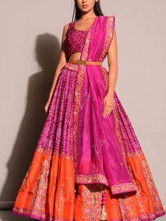 Dress Indian Style, Indian Fashion Dresses, Indian Designer Outfits, Bandhani Dress, Lehnga Dress, Lehenga Choli, Sarees, Wedding Lehenga Designs, Kurti Designs Party Wear