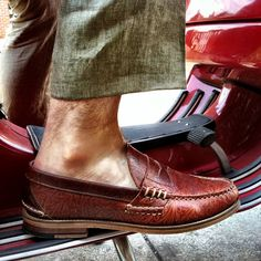 Western tooled pattern on a penny loafer? How oddly...FANTASTIC! =)
