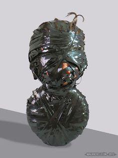 #EMPAQUETAGE. obra de MAURICIO LEÓN.llamada acumulación y realizada en 2012. escogí esta obra porque entre otras,esta me llamo la atención y se aprecia el estilo de forma clara.