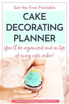 Your go-to free printable planner to keep organized for every cake order. Youll never forget an ingredient or cake detail with this Cake Decorating Planner. Youll even finish your cakes with time to spare! You get a cake order form, a shopping list, and Home Bakery Business, Baking Business, Cake Business, Business Tips, Business Planning, Cake Decorating Books, Creative Cake Decorating, Creative Cakes, Cake Decorating For Beginners