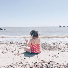 A trip to the beach with a toddler in tow ❤️
