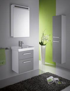 Pokud máte malou koupelnu, můžete v ní nedostatek místa vyřešit například s pomocí mini nábytku z řady GO, u kterého začíná šířka skříňky na neuvěřitelných 50 cm. Cena sestavy od 20 900 Kč; Dřevojas