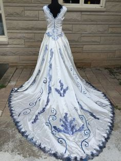 Corpse Bride Wedding Dress Emily Halloween Costume Sz 18 Plus Size B48 W40 in Clothing, Shoes & Accessories, Costumes, Reenactment, Theater, Costumes | eBay