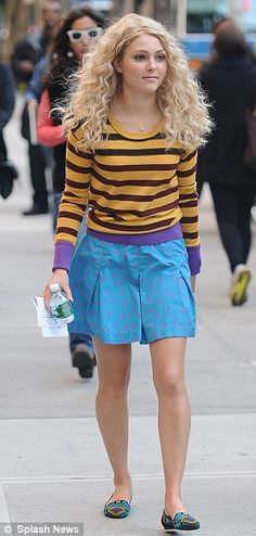 Carrie Diaries styling x. Love the hair! Looks a lot like my friends hair but thicker