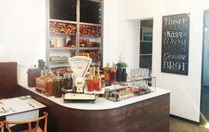 Frühstück in der Labstelle | Stadtbekannt Wien | Das Wiener Online Magazin Lokal, Vienna, Eat, Breakfast, Stairs, Places, Food, Home Decor, Morning Coffee
