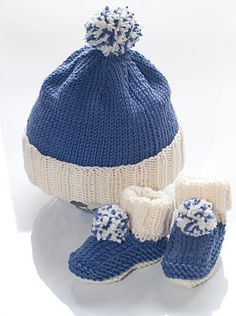 """Baby bobble hat and booties """"Nicki"""""""