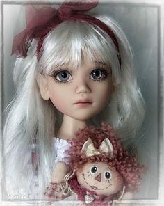 Liz Frost BJD