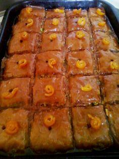 Mπακλαβάς με χαλβά και μανταρίνι γλυκό! Greek Recipes, Dessert, Zucchini, The Good Place, Recipies, Make It Yourself, Vegetables, Sweet, Greece